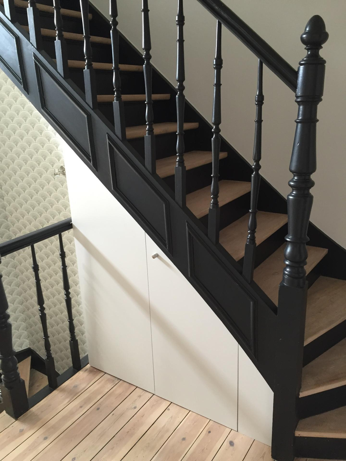 agencement d 39 escalier. Black Bedroom Furniture Sets. Home Design Ideas
