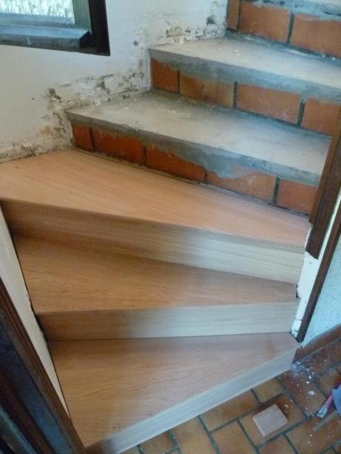 Habillage d 39 escalier en b ton for Habillage escalier beton interieur