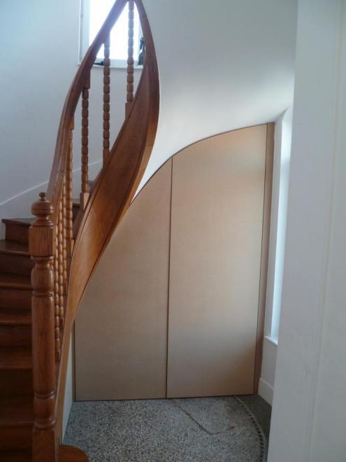 armoires sous escalier